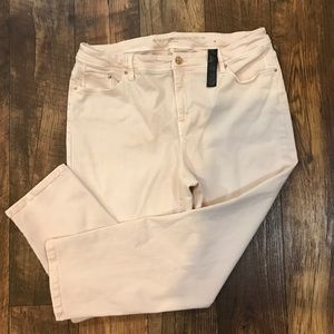 Chico's So Slimming Girlfriend Crop Size 2.5 Pink